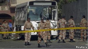 У Пакистані здійснено напад на військові автобуси