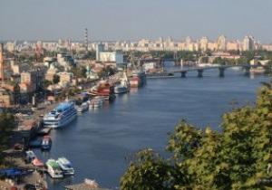 Гостям Евро-2012 предлагают поселиться в теплоходах на причалах Киева