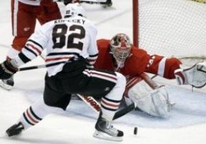 NHL: Ястребы в овертайме сломили Детройт