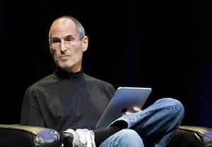Стив Джобс переизбран в совет директоров Disney
