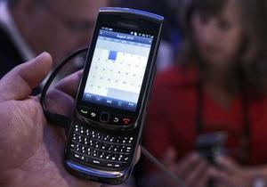 Выручка производителя смартфонов Blackberry выросла на 33% по итогам года