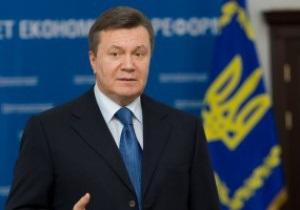 Янукович поздравил украинских биатлонисток с завоеванием серебра на Чемпионате мира