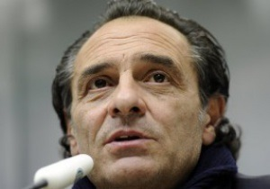 Тренер збірної Італії: Проведу з де Россі виховну бесіду