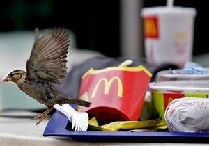 В январе в США продажи McDonald s упали, в Европе неожиданно выросли
