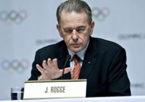 Олимпиада как предчувствие. Янукович наградил главу МОК орденом
