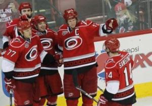 NHL: Каролина уничтожила Сенаторов, Детройт разгромил Сент-Луис