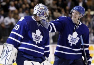 NHL:  Торонто дожал Хищников