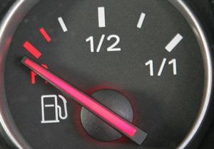 Эксперт: В Украину импортируется произведенный в стране бензин