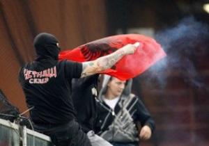 Полиция задержала сербских фанатов, устроивших беспорядки на матче с Италией