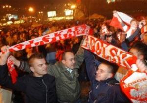 У Польщі дозволять пити пиво на стадіонах під час Євро-2012