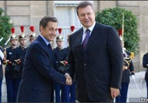 Янукович обговорив у Франції євроінтеграцію