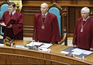 Експерт: Україна будує  керовану демократію