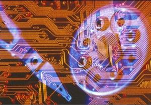 Експерт: жадібність хакерів подомагає поліції