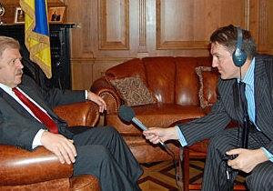Посол у Британії Хандогій: пріоритет - економіка