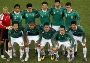 Мексиканські футболісти оштрафовані за 14 повій і трансвестита