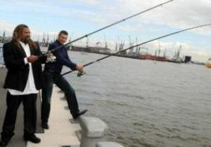 Фотогалерея: Кличко и Бриггс порыбачили в Гамбурге