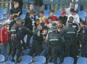 В Новой Каховке на футболе произошла массовая драка между фанатами и милицией