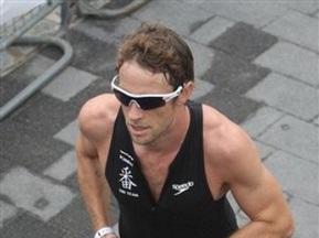 Баттон принял участие в лондонском триатлоне