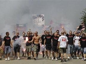 Болельщики Милана выступили за смену владельца клуба