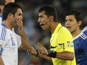 FIFA определилась с судьями на полуфиналы ЧМ-2010
