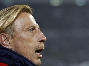 Керівництво Фенербахче погрожує своєму головному тренеру