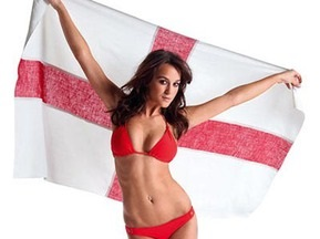 Британская модель разделась для сборной Англии