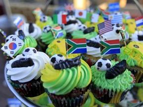 На ЧМ-2010 съедят 100 тысяч пирожных в цветах национальных флагов