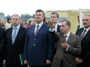 Янукович сделает первый удар по мячу на открытии стадиона во Львове