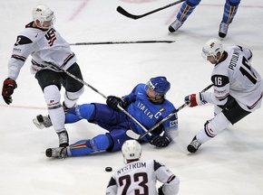 ЧС з хокею: Казахстан та Італія залишають елітний дивізіон