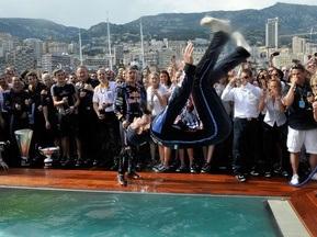 Фотогалерея: Купання Чемпіонів. Red Bull куражиться на Гран-прі Монако