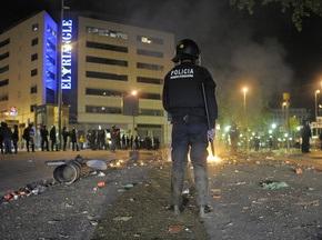 Фотогалерея: Особенности каталонского веселья. Барселона празднует Чемпионство