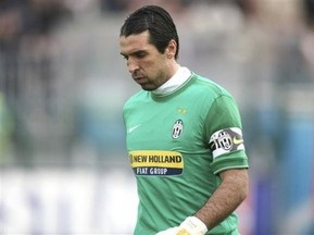Буффон отримав травму в матчі з Міланом