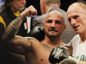 Кшиштоф Влодарчик завоeвал вакантный титул чемпиона WBC в первом тяжелом весе