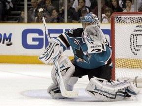 Stanley Cup: Акулы пробились в полуфинал