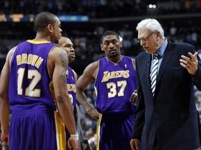NBA: Кавс и Лейкерс проигрывают без ЛеБрона и Коби