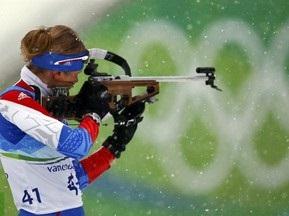Биатлон: Россиянка побеждает в спринте, Хаусвальд берет Малый глобус