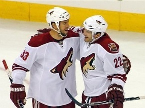 NHL: Койоты легко разобрались с Молниями