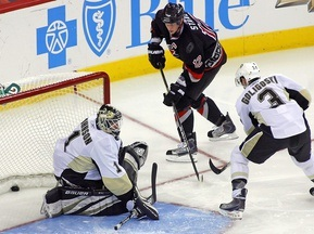 NHL: Питтсбург на выезде уступает Каролине