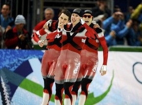 Канадские конькобежцы выигрывают золото Ванкувера-2010