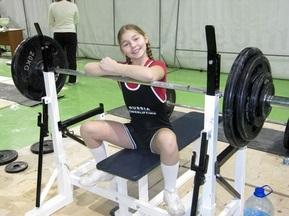 10-річна спортсменка виконала норматив дорослого розряду з жиму штанги лежачи