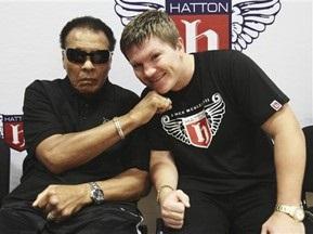 Хаттон официально объявил о возвращении в бокс