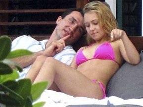 Папараці сфотографували Володимира Кличка з голлівудською зіркою в купальнику