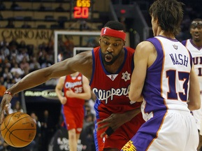NBA: Финикс разгромил Клипперс