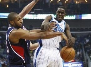 NBA: Ястребы уступили Шершням