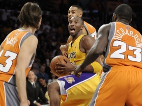 NBA: Лейкерс громят главного конкурента