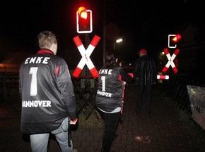 Вратарь сборной Германии был сбит поездом