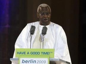 Президент IAAF до конца октября встретится с Семеней