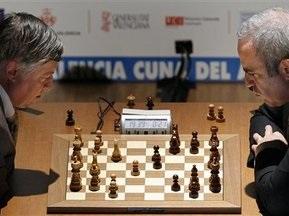 Каспаров виграв у Карпова другу партію шахового суперматчу