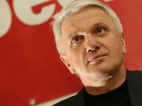 Литвин подписал ветированный Президентом закон о финансировании Евро-2012