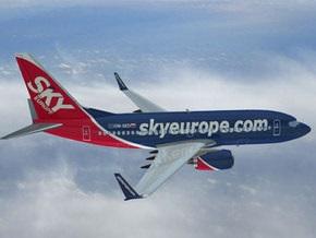 Тысячи пассажиров застряли в аэропортах Европы из-за банкротства SkyEurope